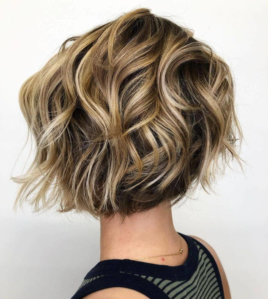 11 Hot Graduated Bob Haircuts for Women of All Ages (11 Update)