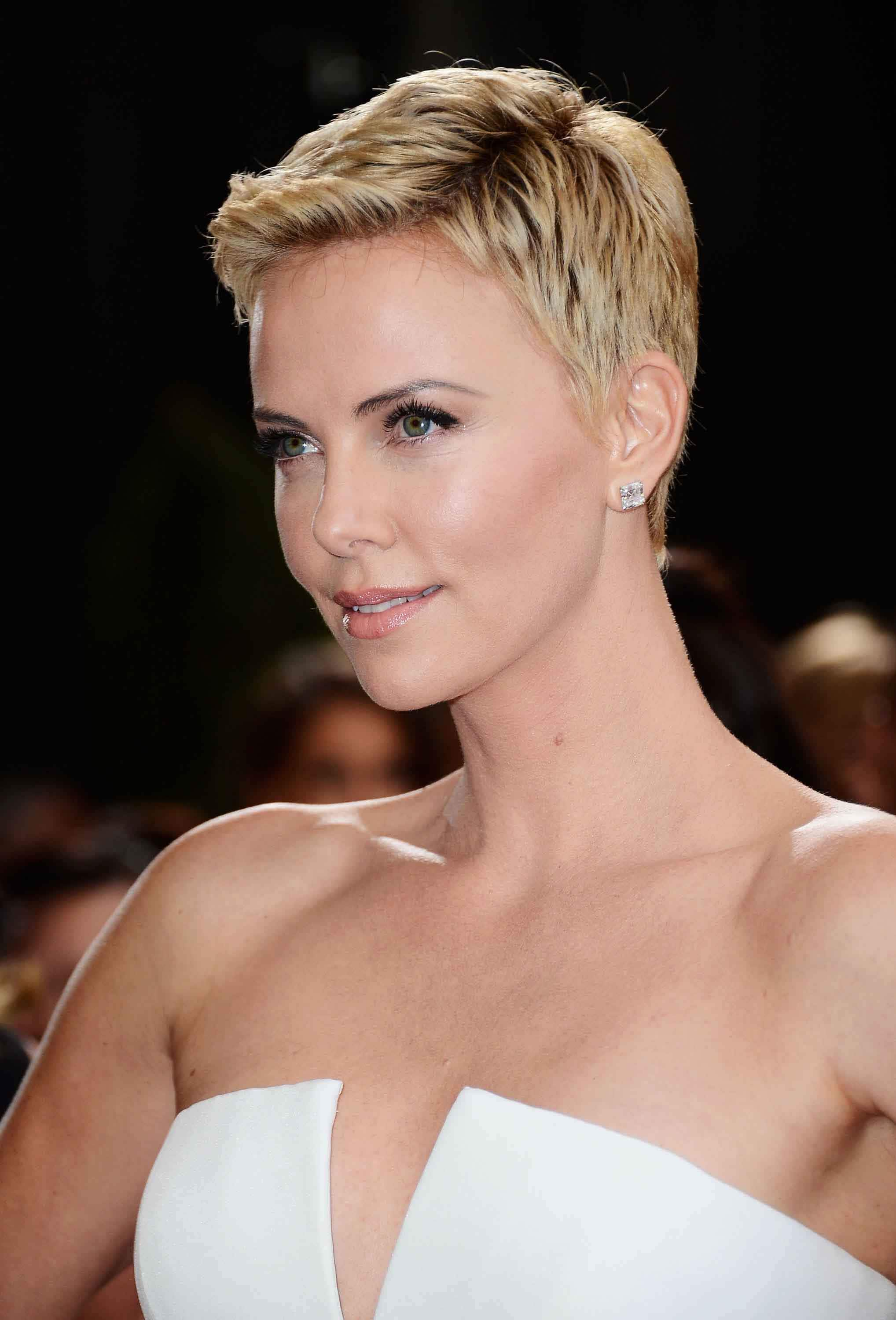 Pixie hairstyles Charlize Theron. Credit Getty Images