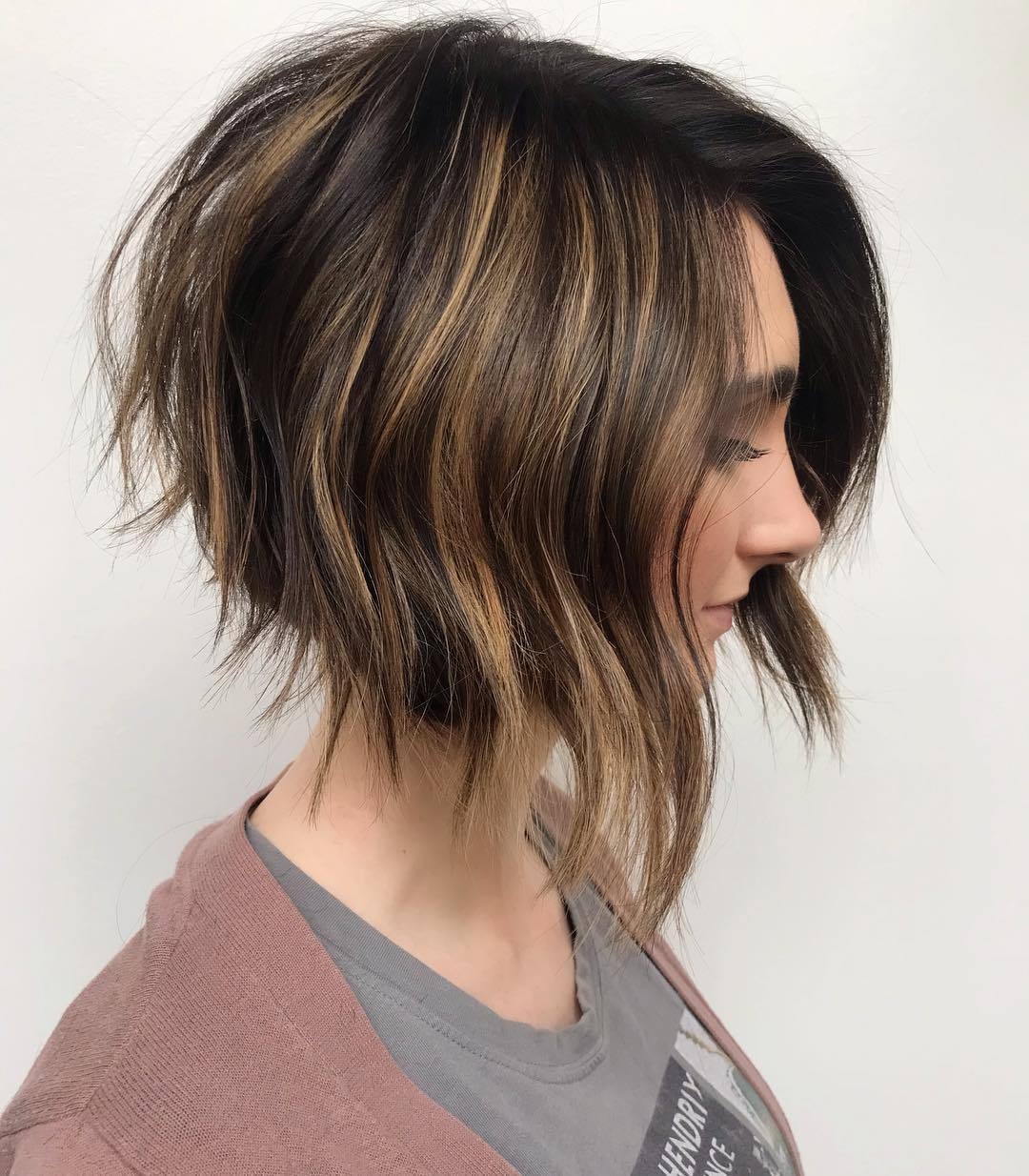 10 Hot Graduated Bob Haircuts for Women of All Ages (10 Update)