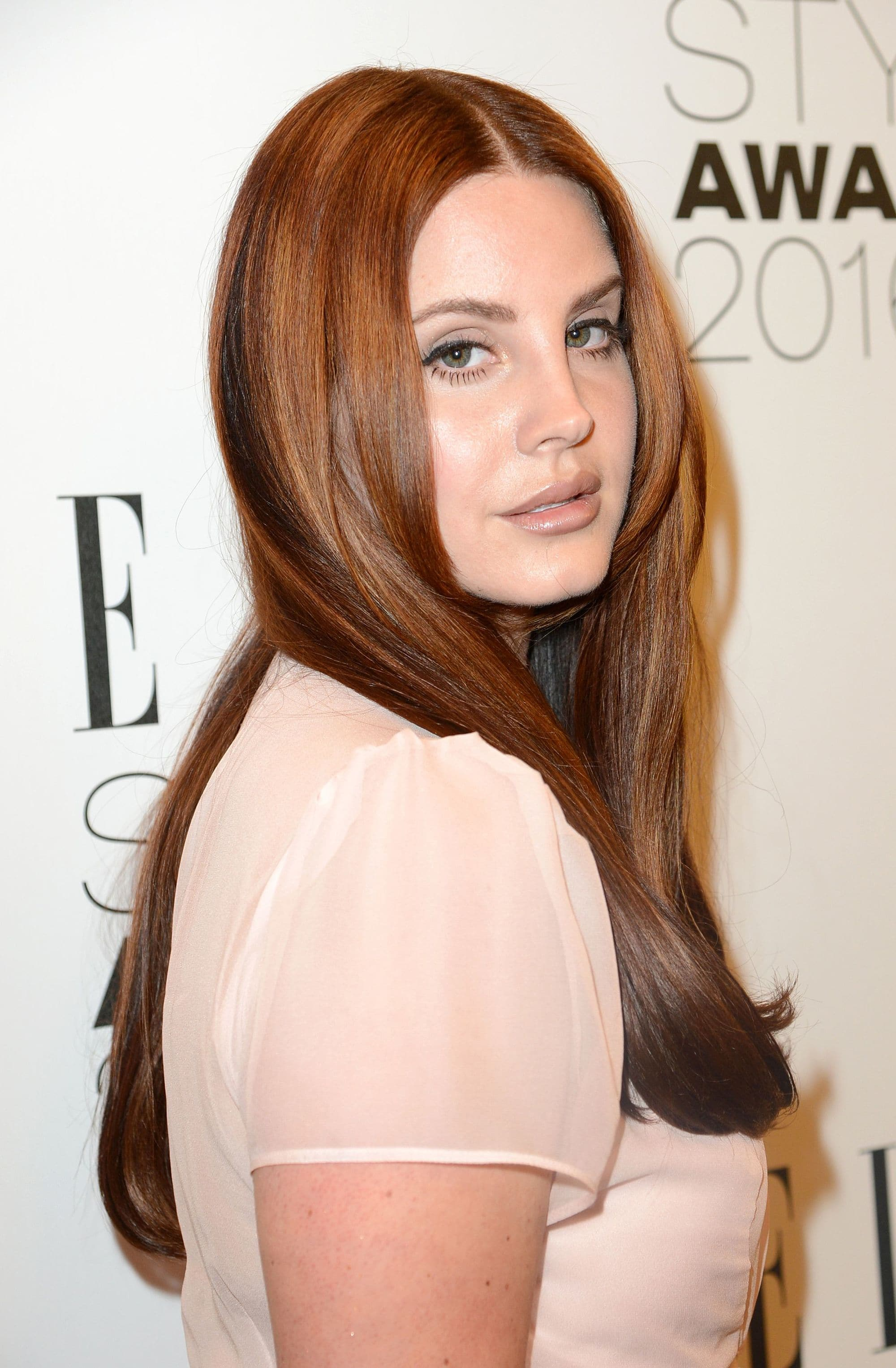 chocolate hair: Lana del rey with bronze chocolate hair colour