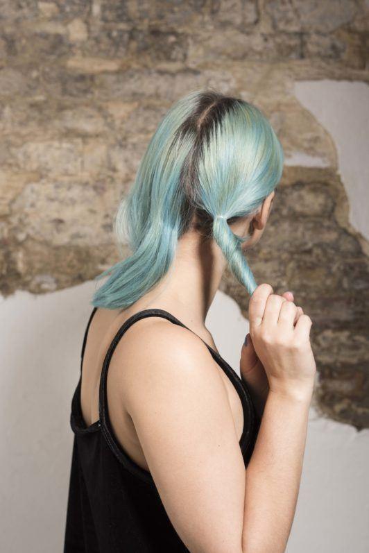 vlogger sophie hannah richardson double low bun tutorial/Two buns hair tutorial