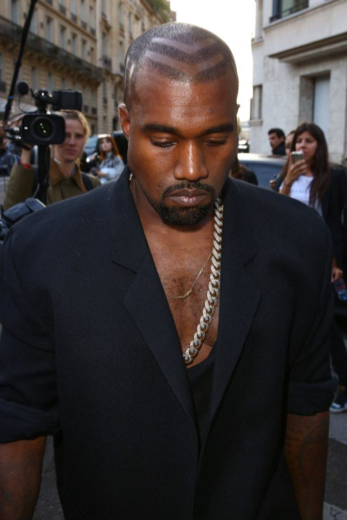 Kanye West in 2014 with arrow shaved pattern