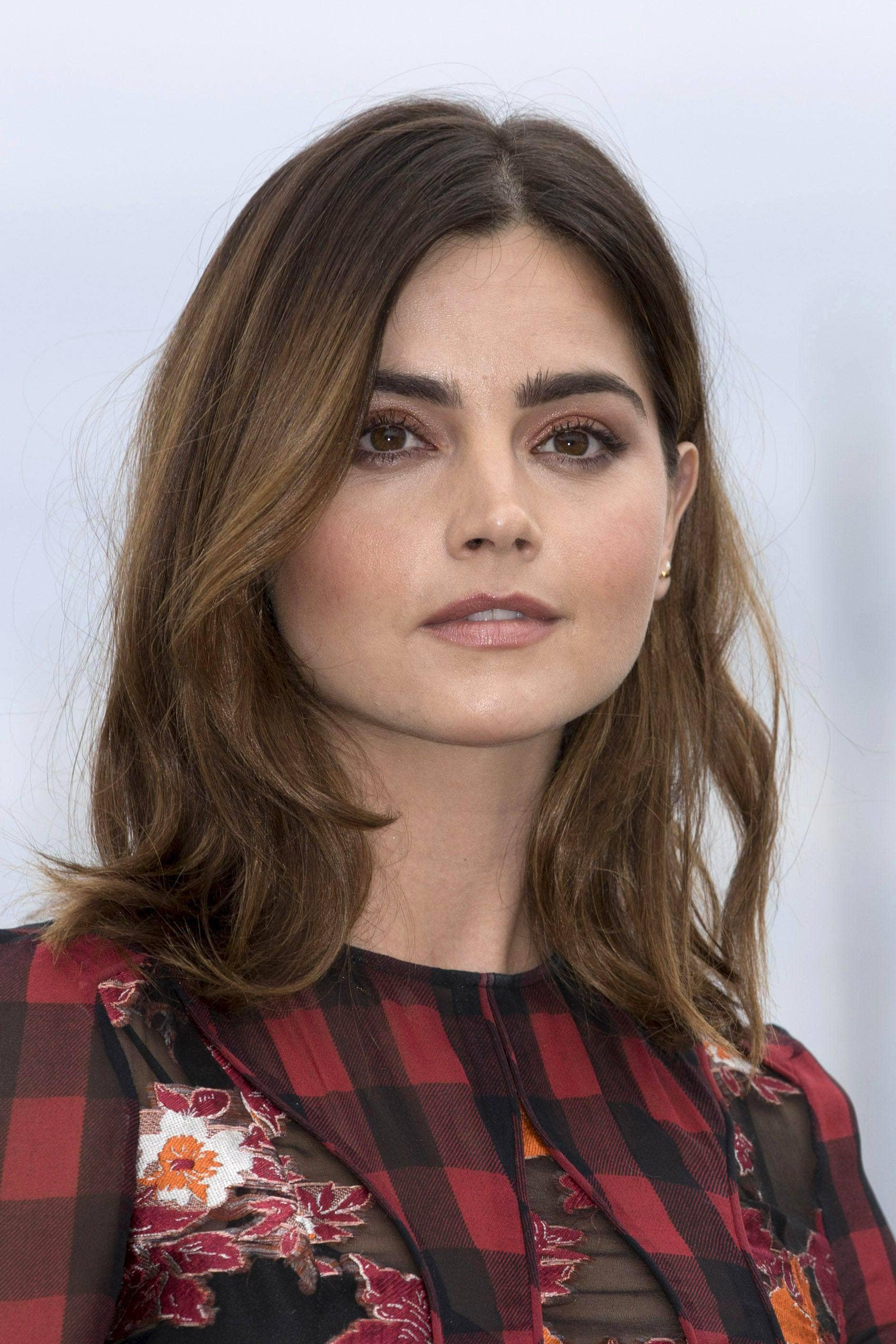 20 Best Shoulder Length Layered Haircut Photos 2019