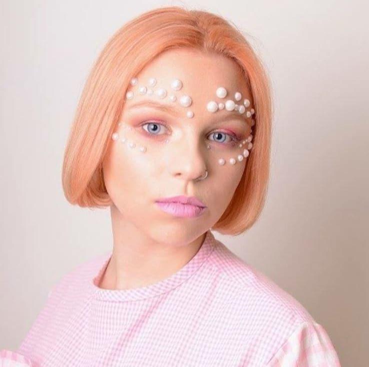 Pastel hair colours - peach straight bob