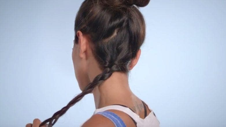 E! Beat hair boredom step by step: diipa khosla dutch braiding her hair
