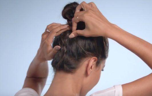 E! Beat hair boredom step by step: diipa khosla creating braid