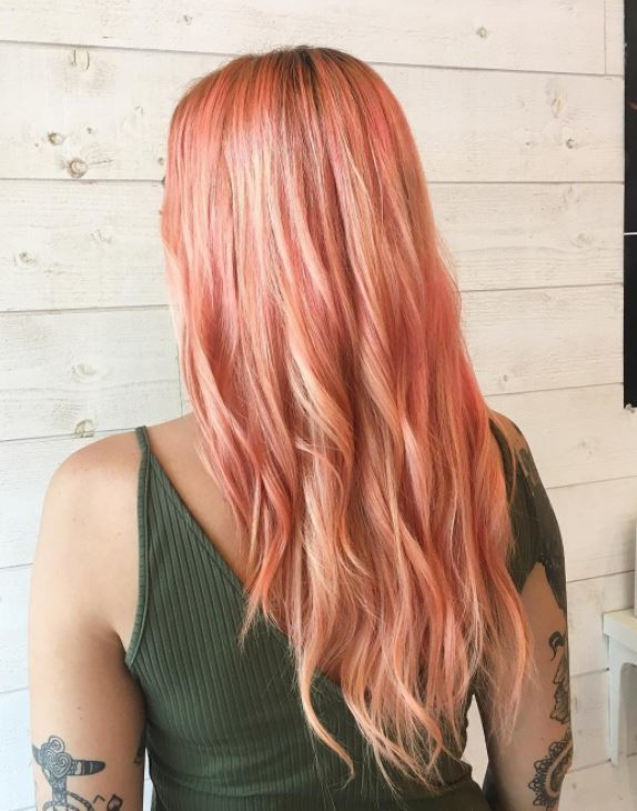 Sushi hair - long pastel peach pink hair with loose waves
