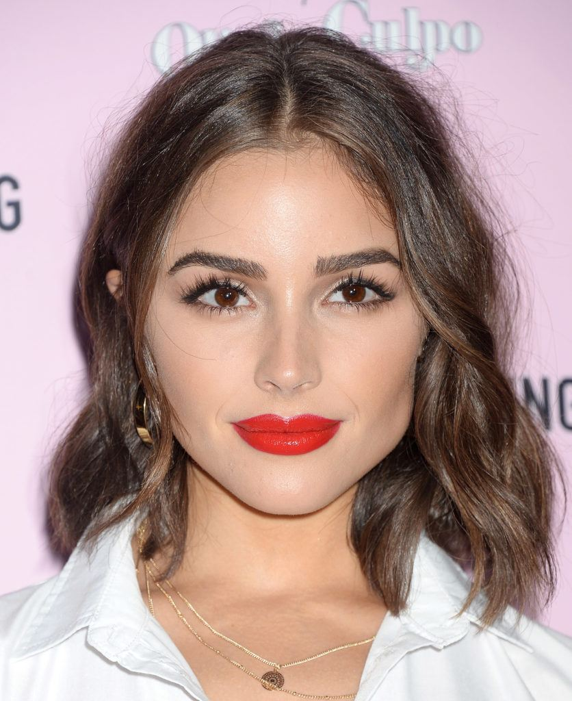 miss world and model olivia culpo with wavy lob length brunette hair