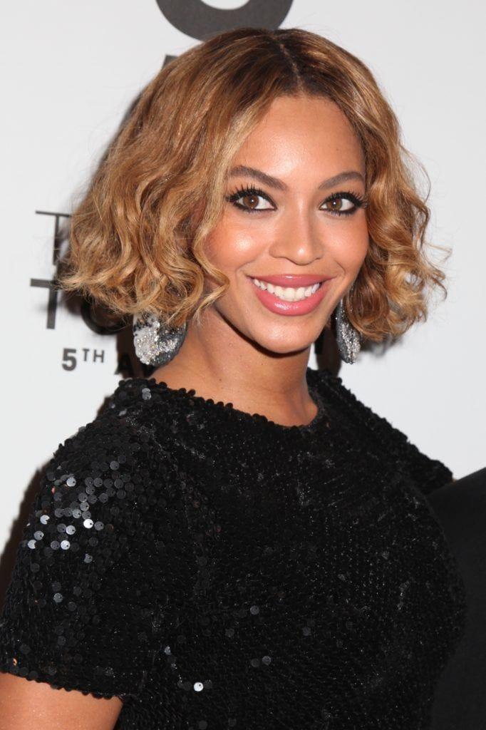 Beyonce golden brown long bob wavy hair