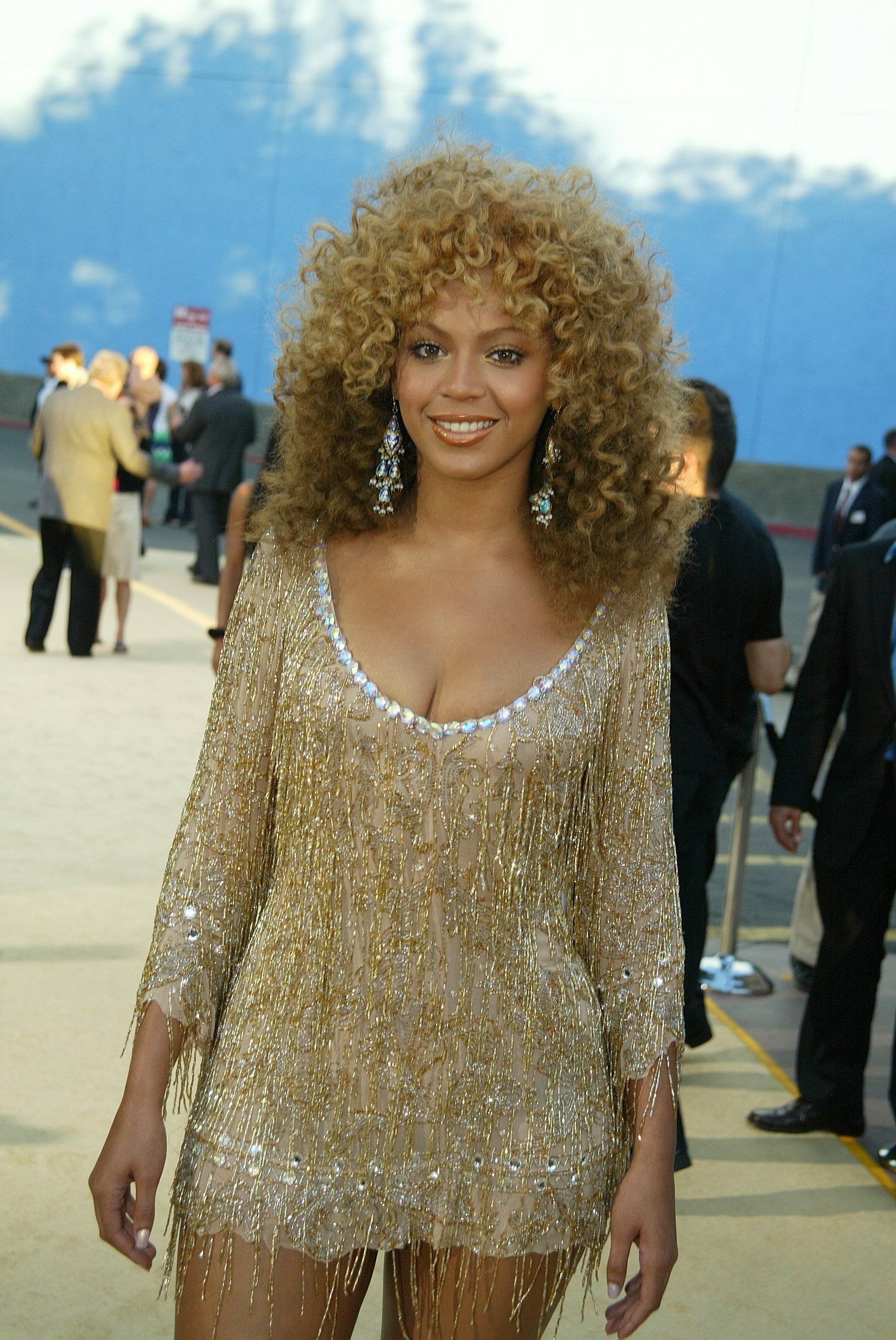 Beyonce large dirty blonde curly afro hair