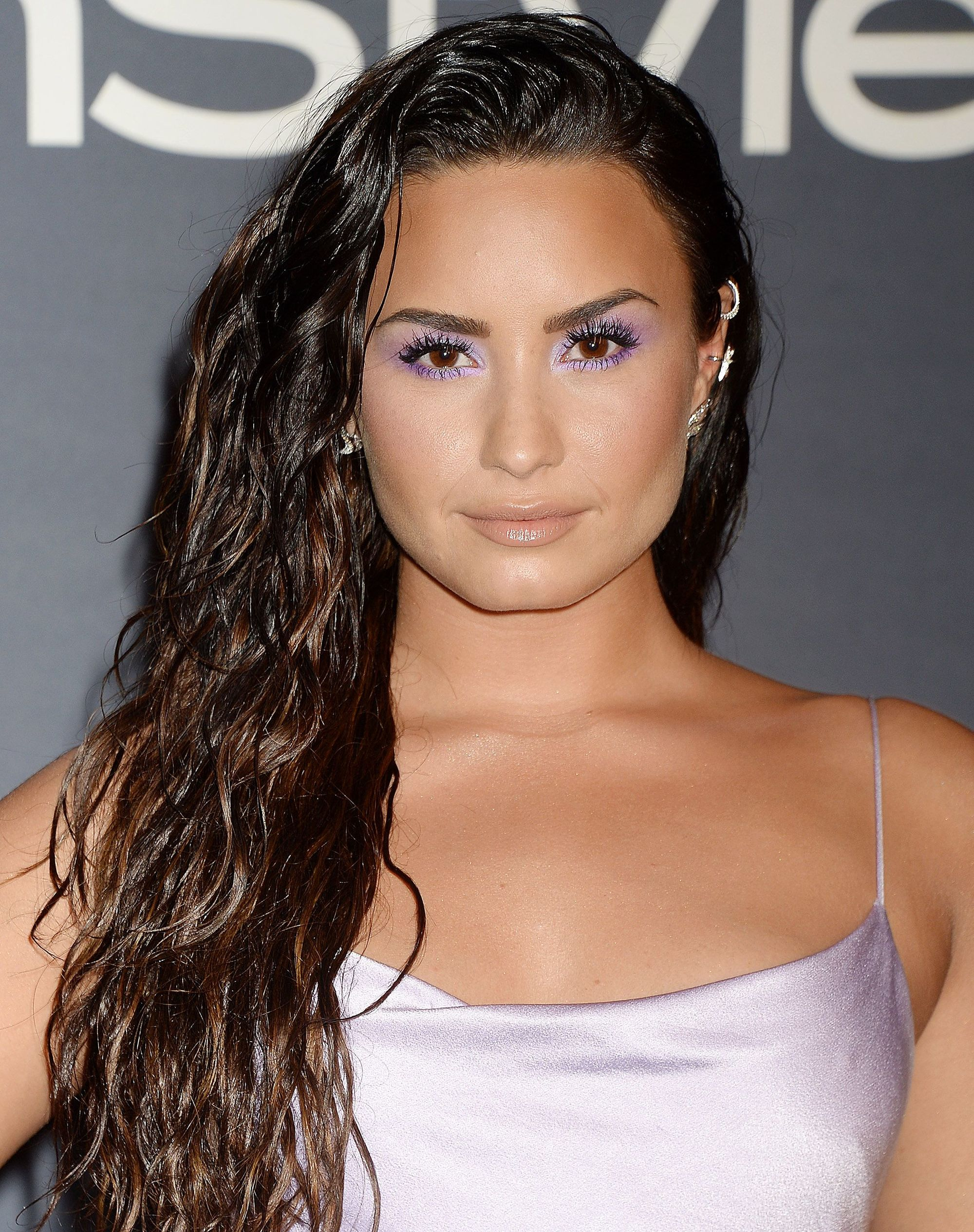demi lovato with long wet curly hair
