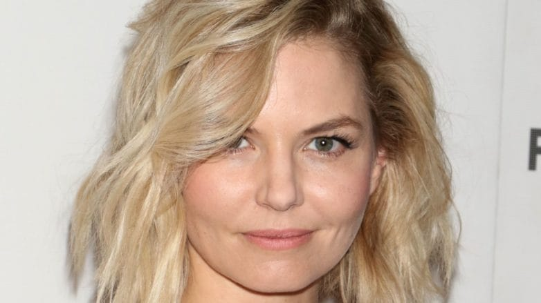 once upon a time and house actress jennifer morrison with a blonde wavy lob