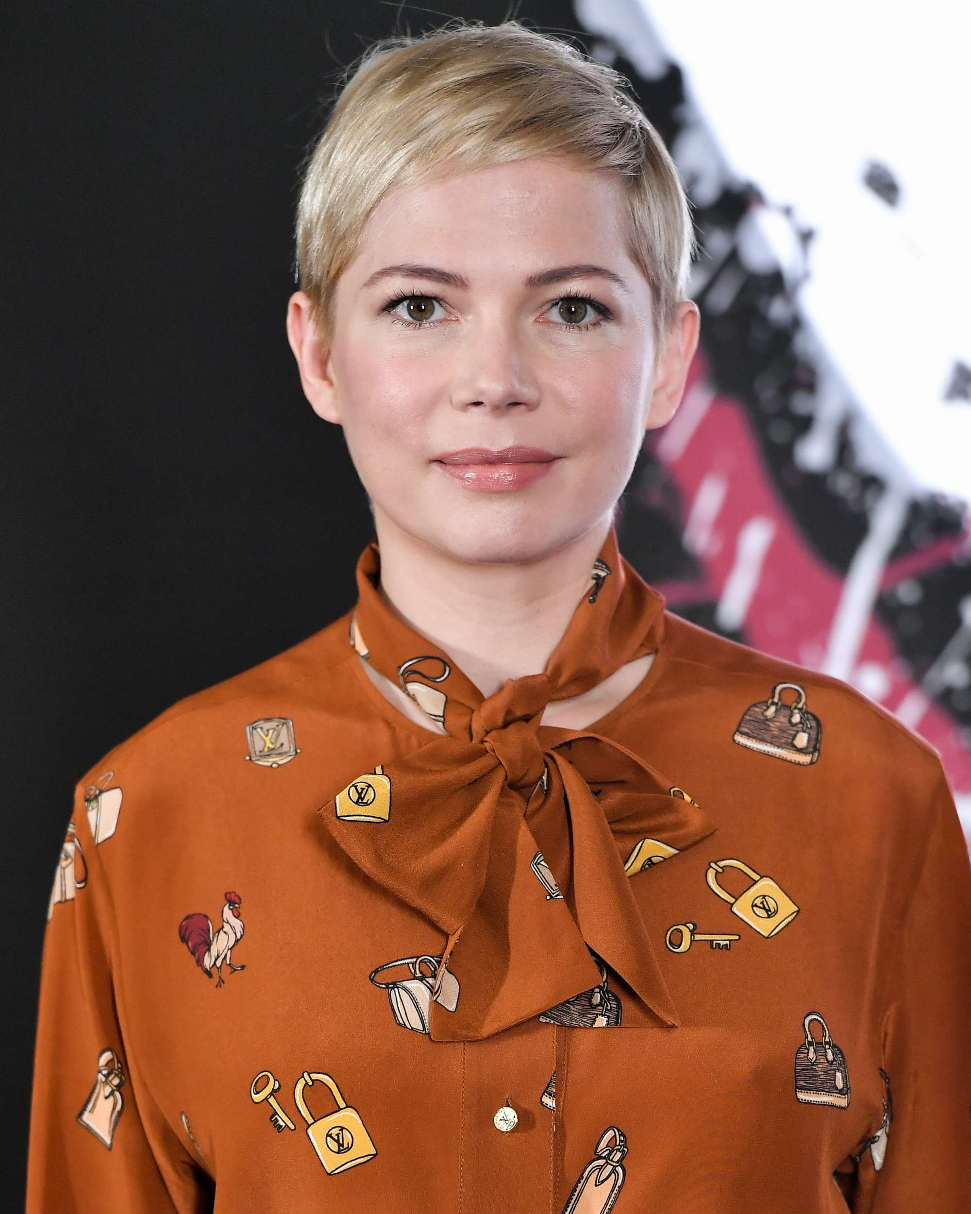 Haircuts for fine straight hair: Michelle Williams with a platinum blonde pixie crop