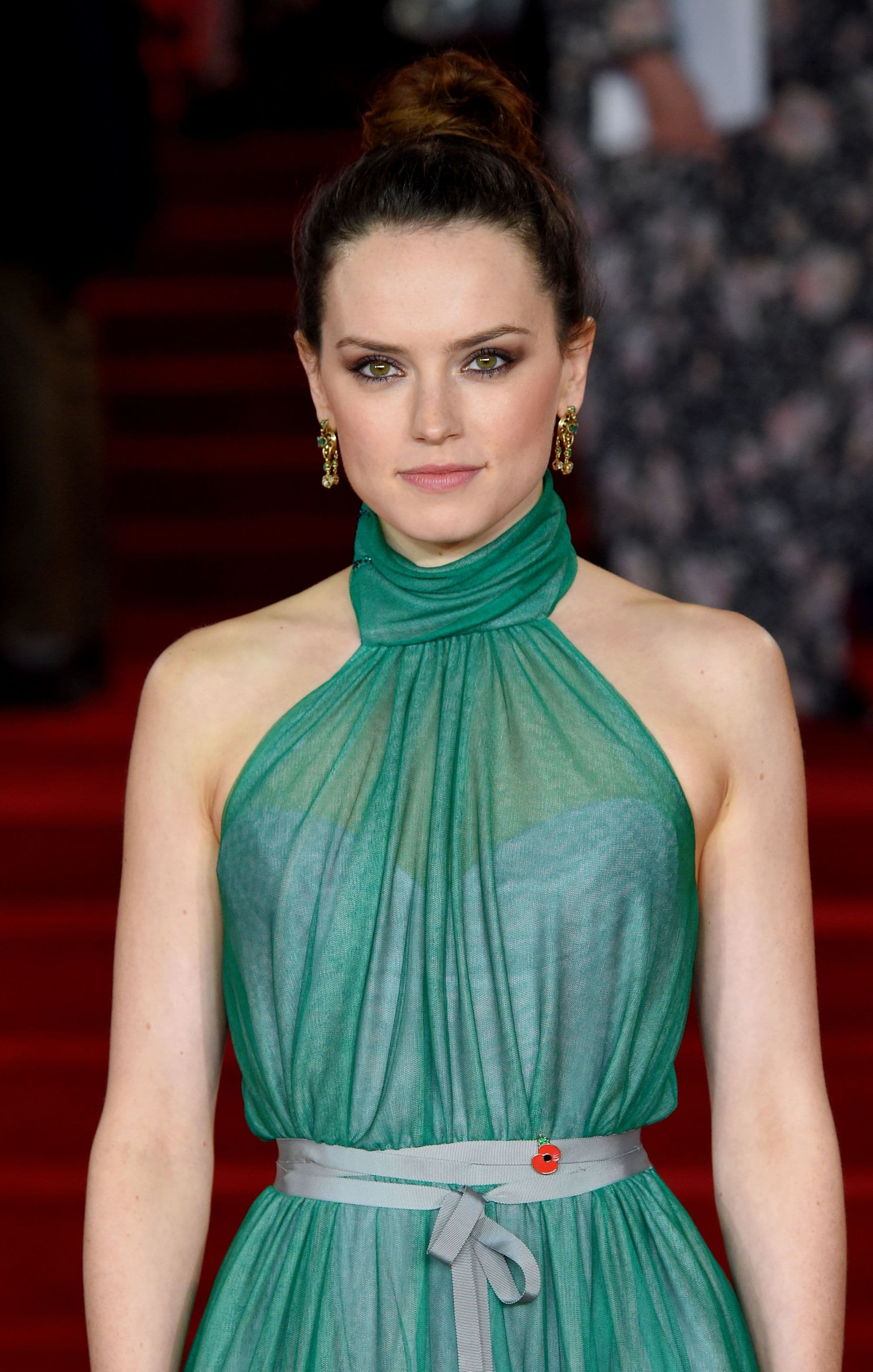 Daisy Ridley Gallery How To Get Rey Star Wars Hair