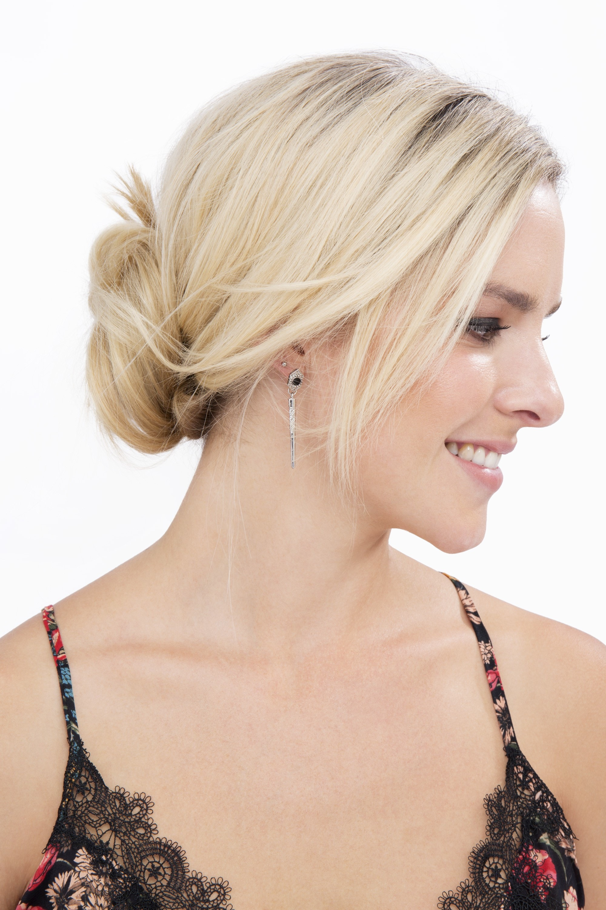 How To Do A Messy Bun With Long Hair 2 Ways