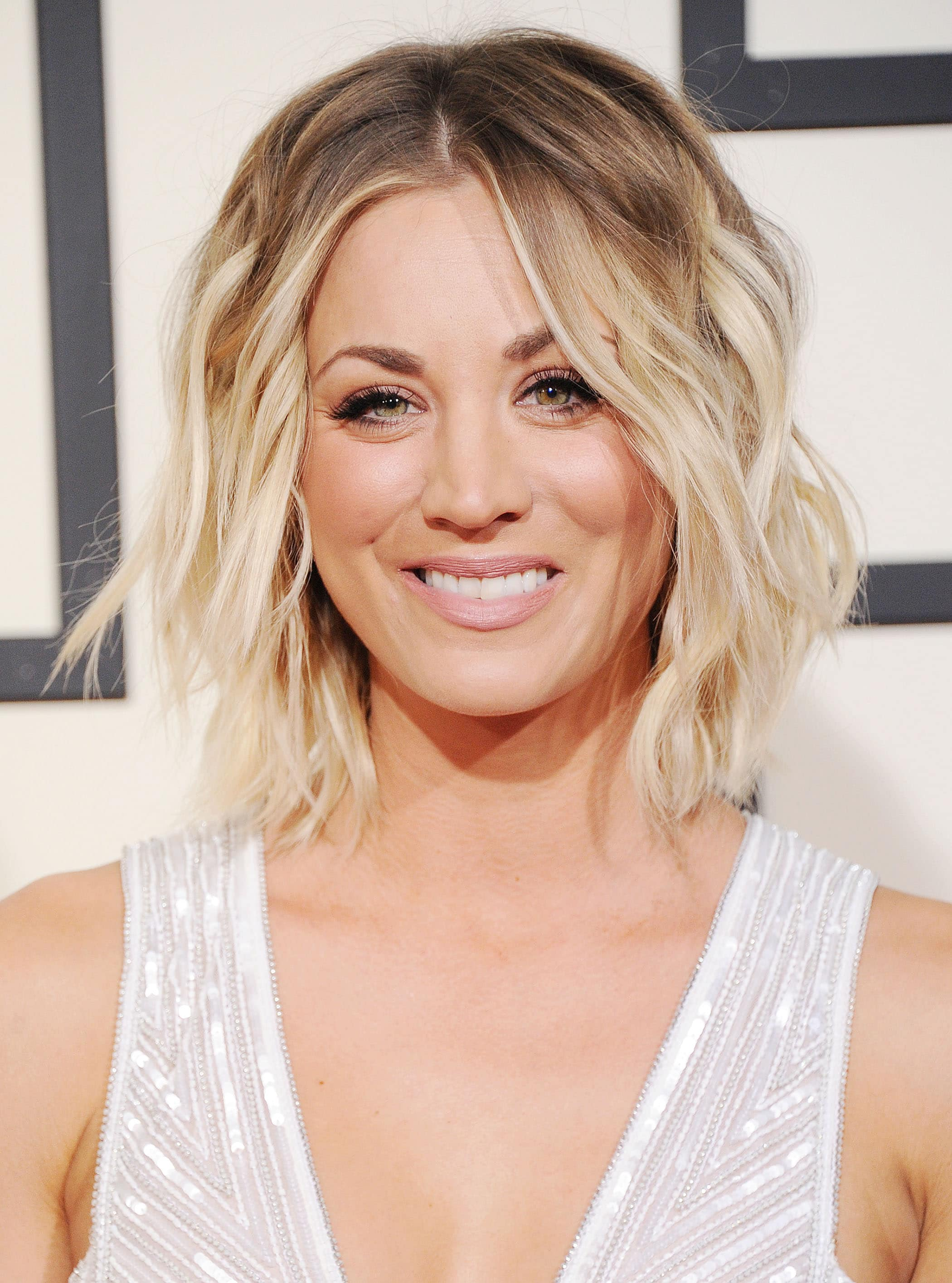 30 Best Angled Bob Haircuts and Hairstyles