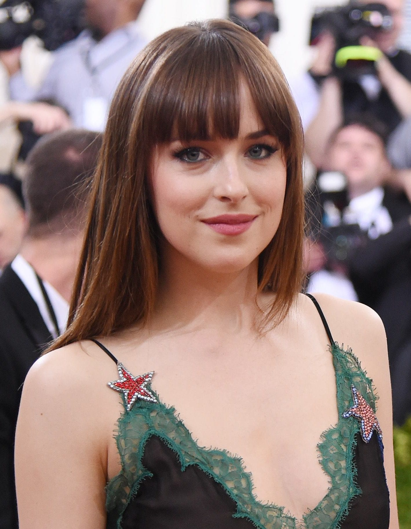 15 reasons why straight bangs are the best thing ever