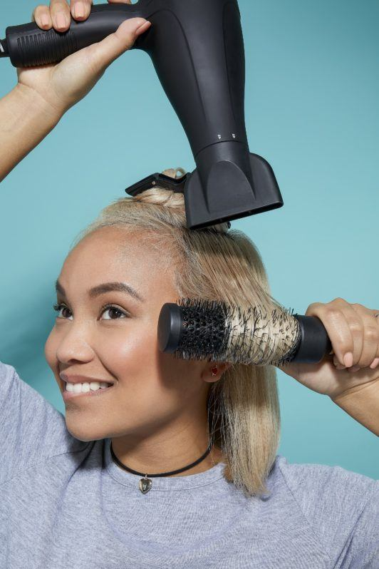 How to blow dry short hair tutorial blonde woman with hairdryer