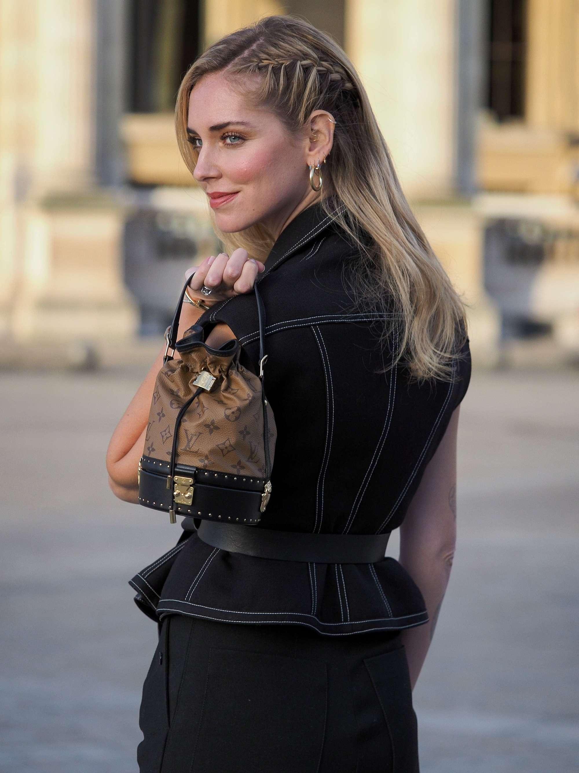 Side braid hairstyles: Chiara Ferragni with long straight blonde hair with side cornrow braids