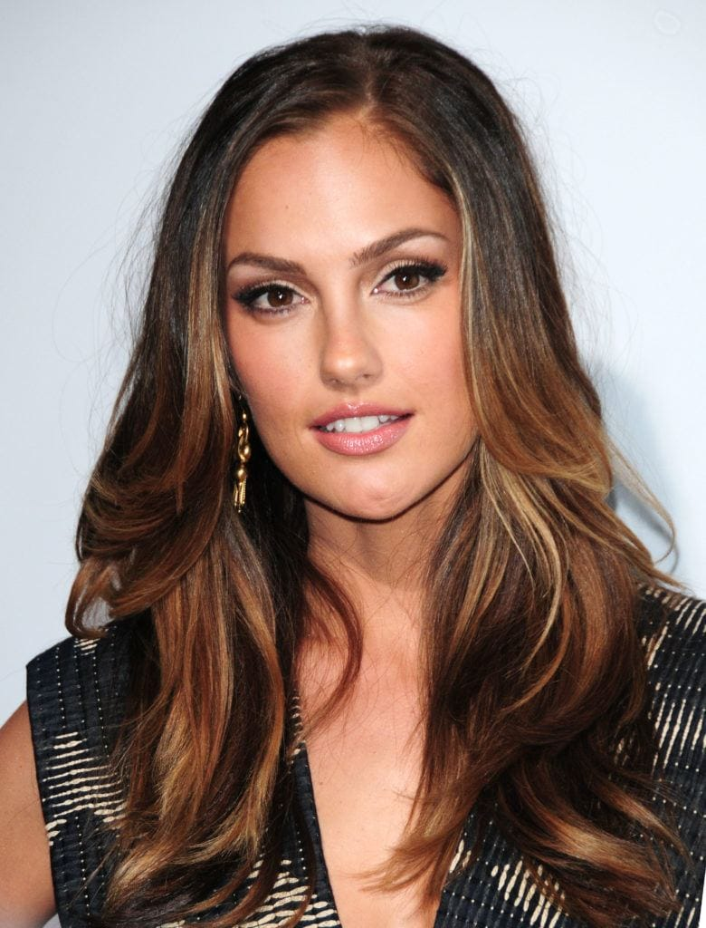 Lowlights for brown hair: minka kelly with blowout brunette hair with lowlights