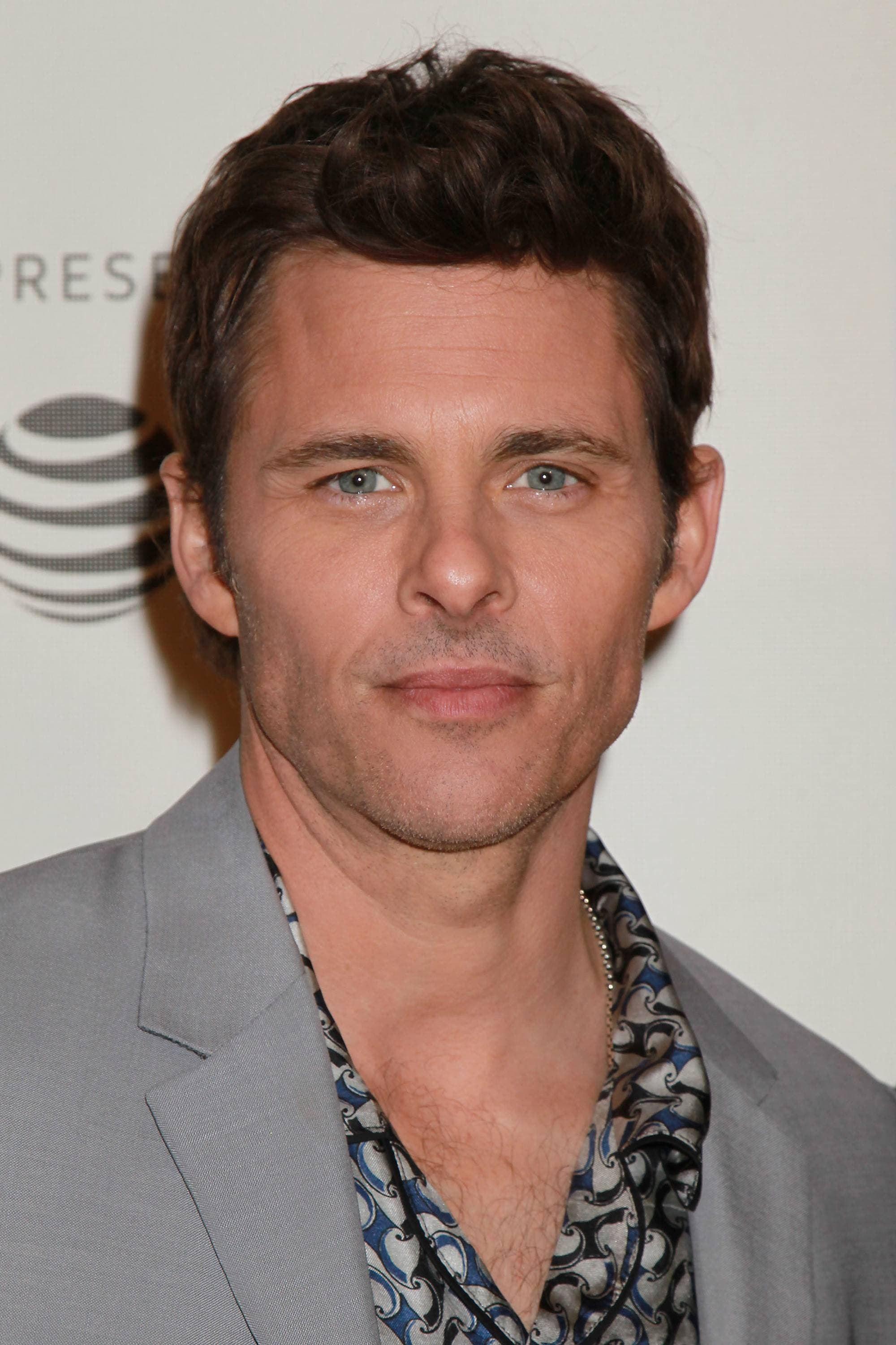Hairstyles for men over 40: Close-up of James Marsden with textured brown hair