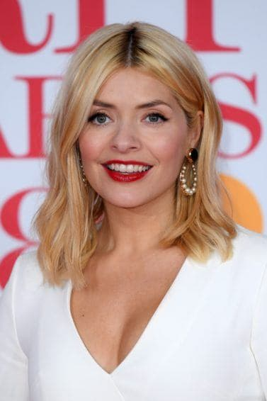 How To Get Holly Willoughby Hair & Inspiration Gallery (2019