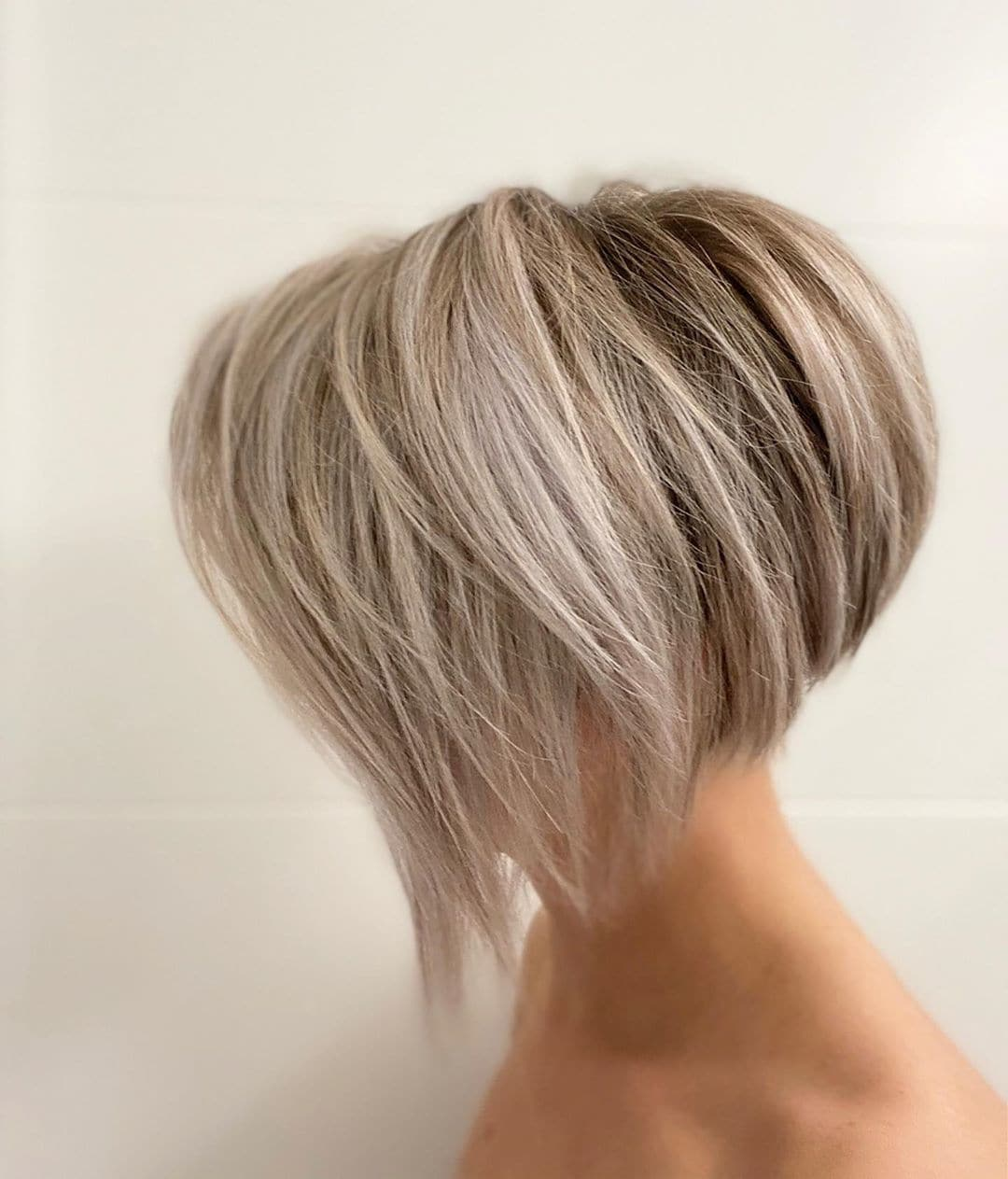 30 Hot Graduated Bob Haircuts for Women of All Ages (2020 Update)