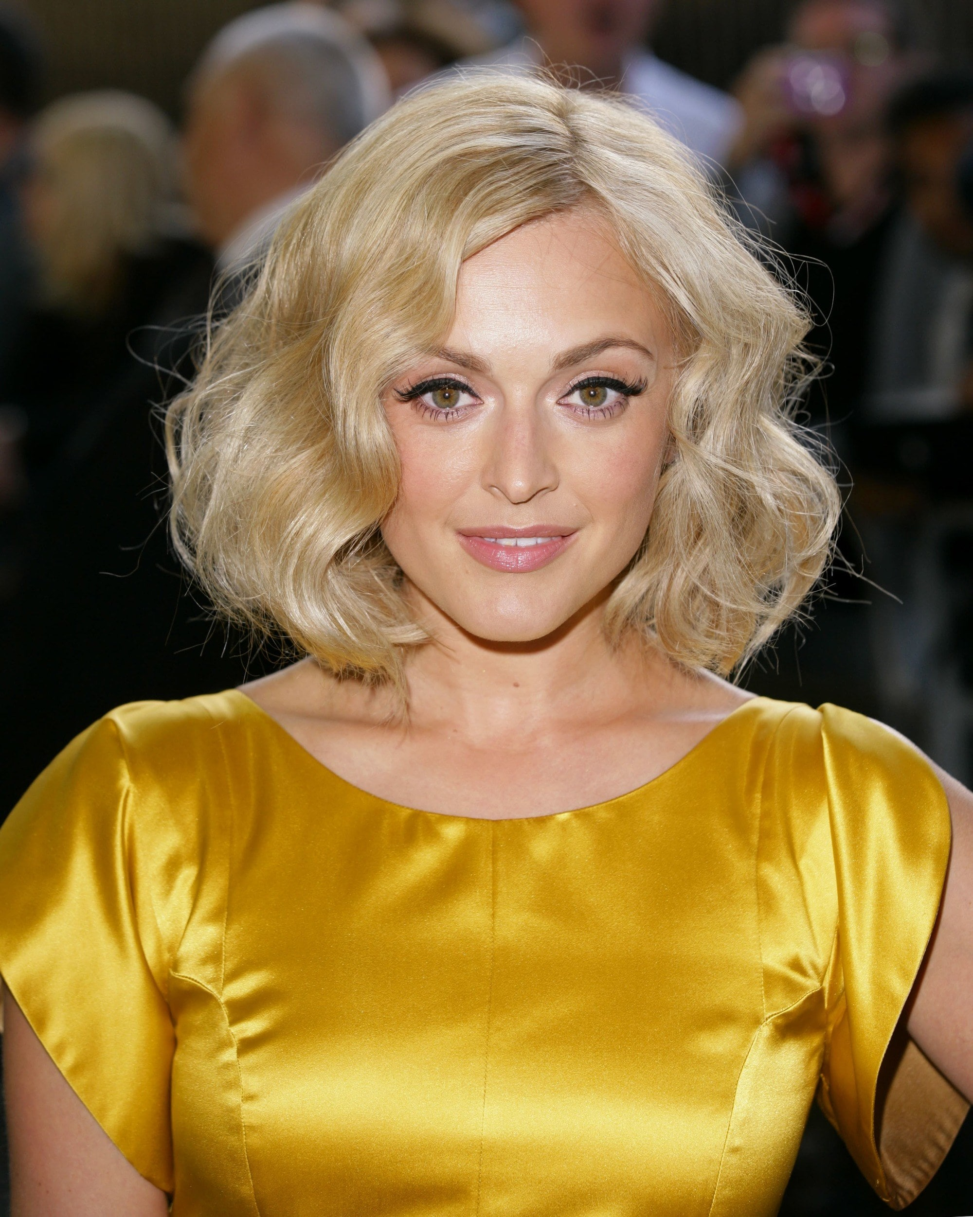 Fearne Cotton with a blonde retro wavy bob