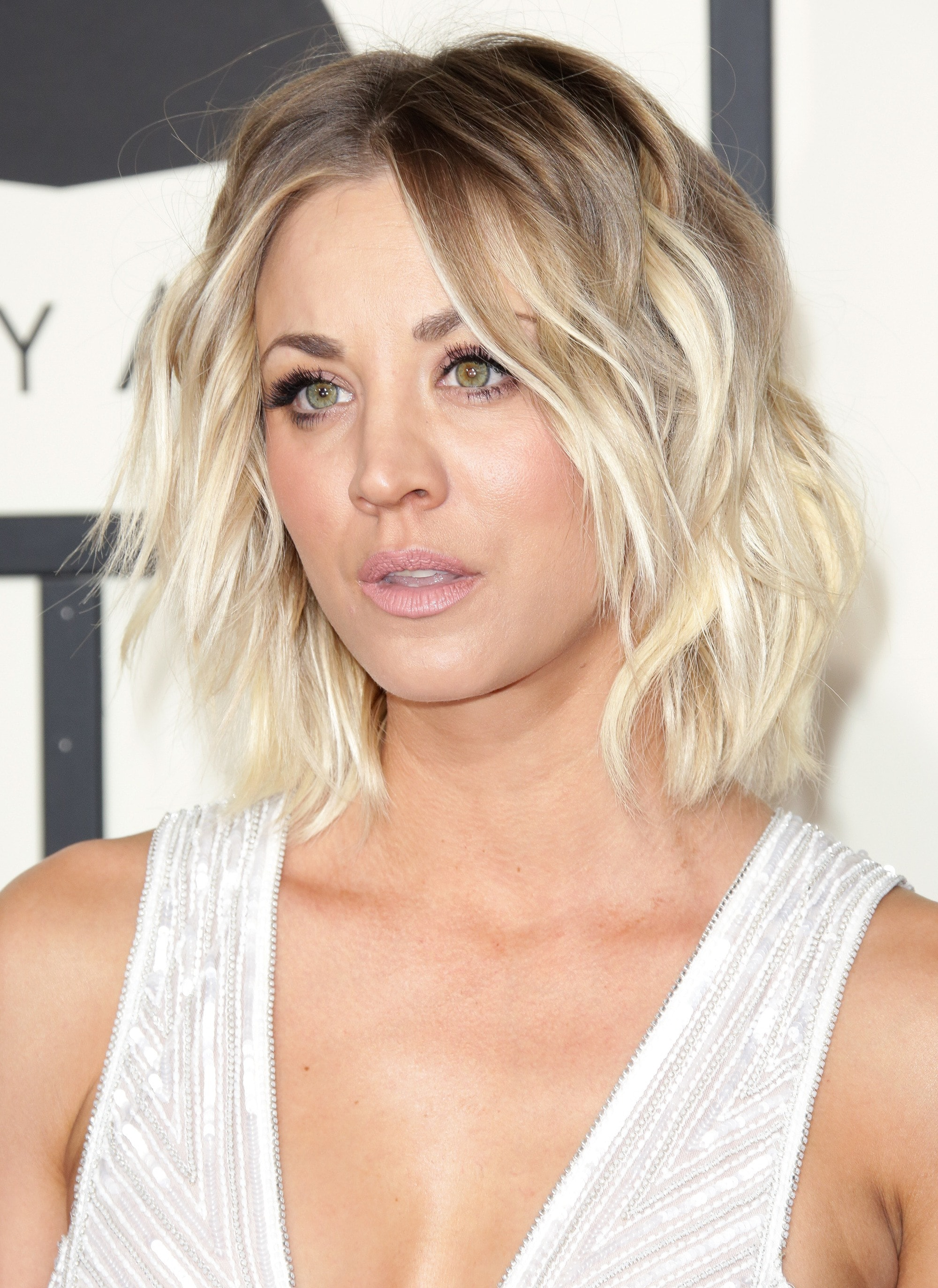 Kaley Cuoco with a blonde layered bob