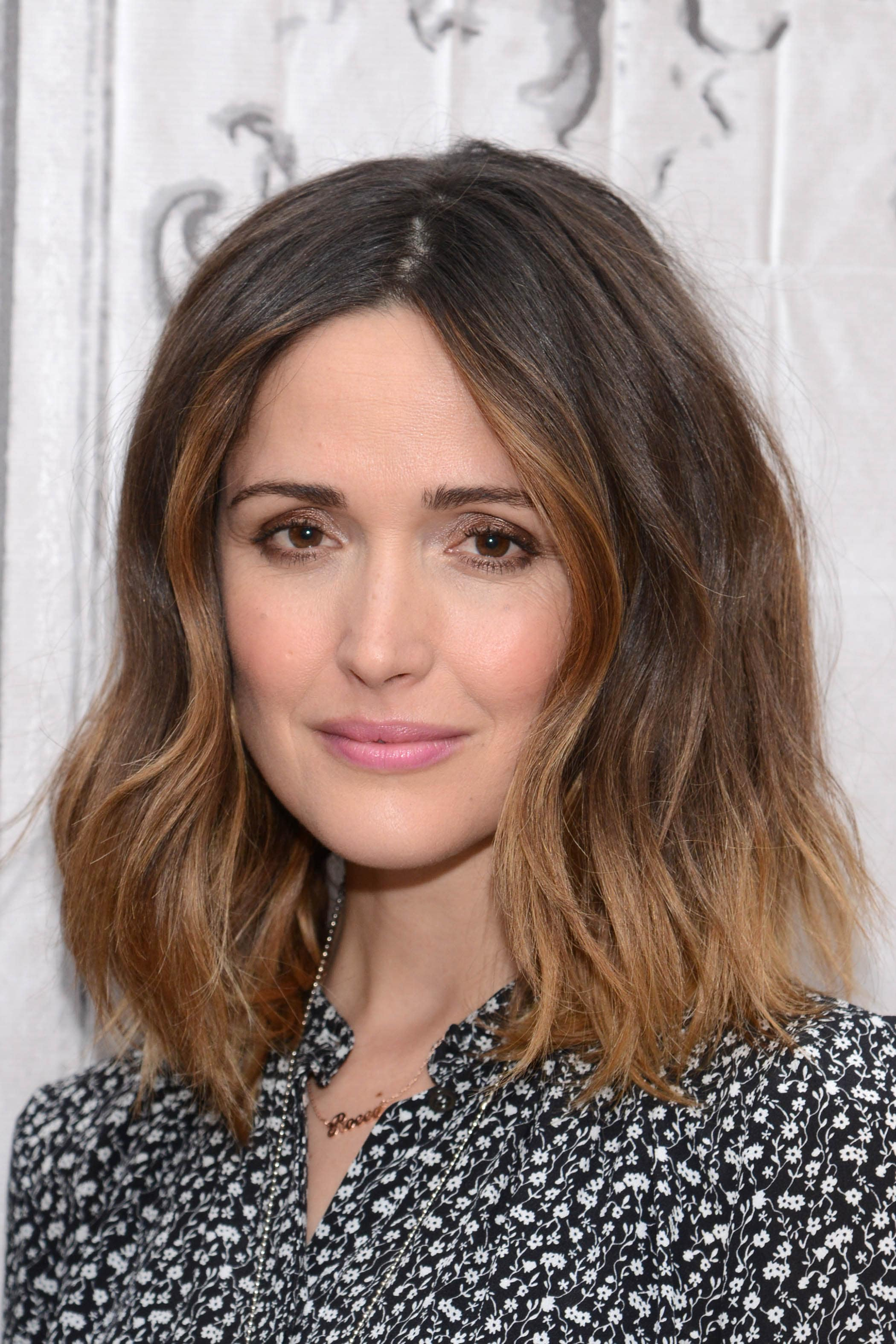 Rose Byrne with a ombre wavy lob