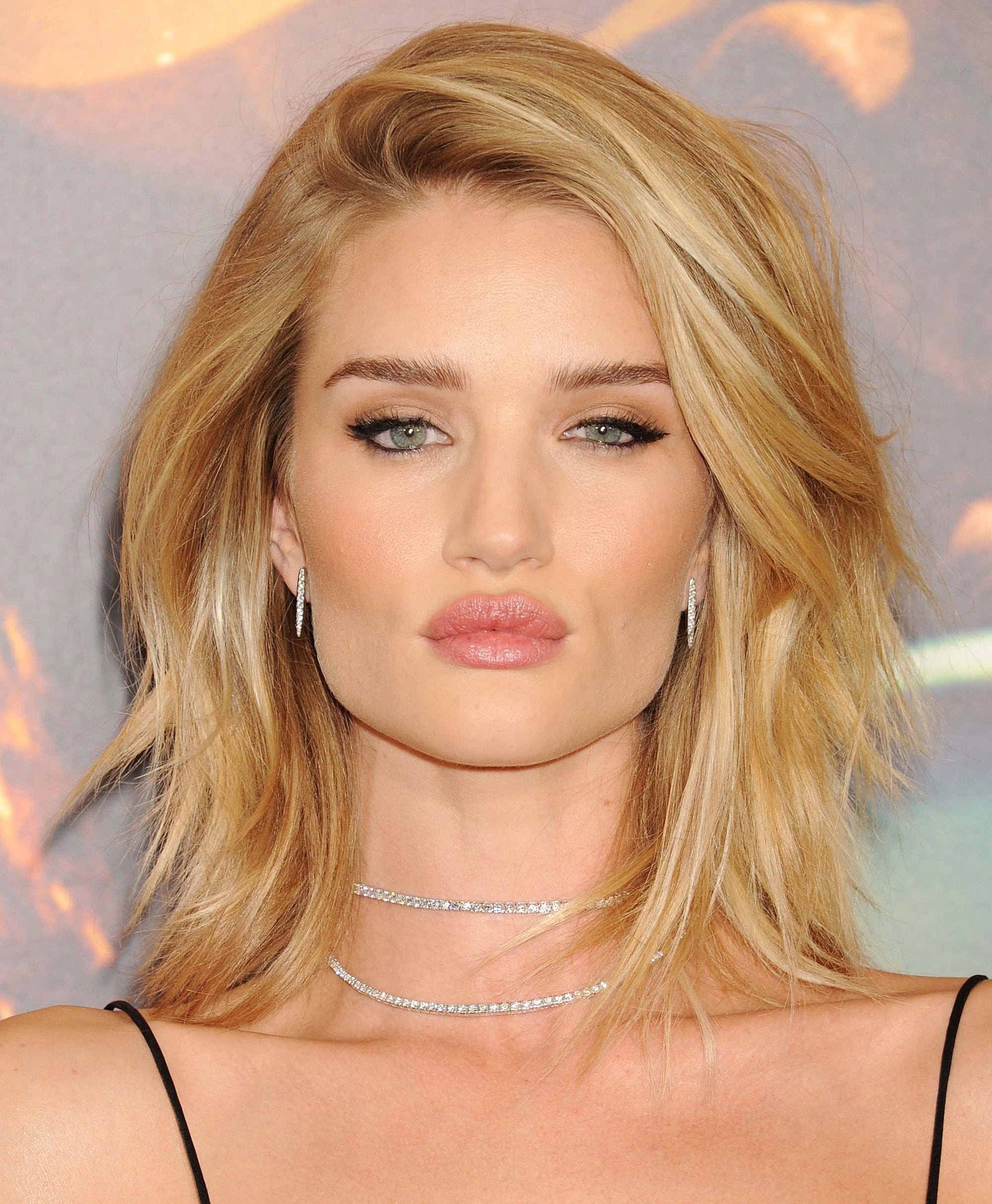 Rosie Huntington Whiteley with a golden blonde lob