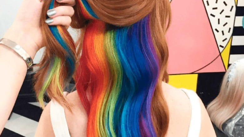 cabello arcoíris oculto