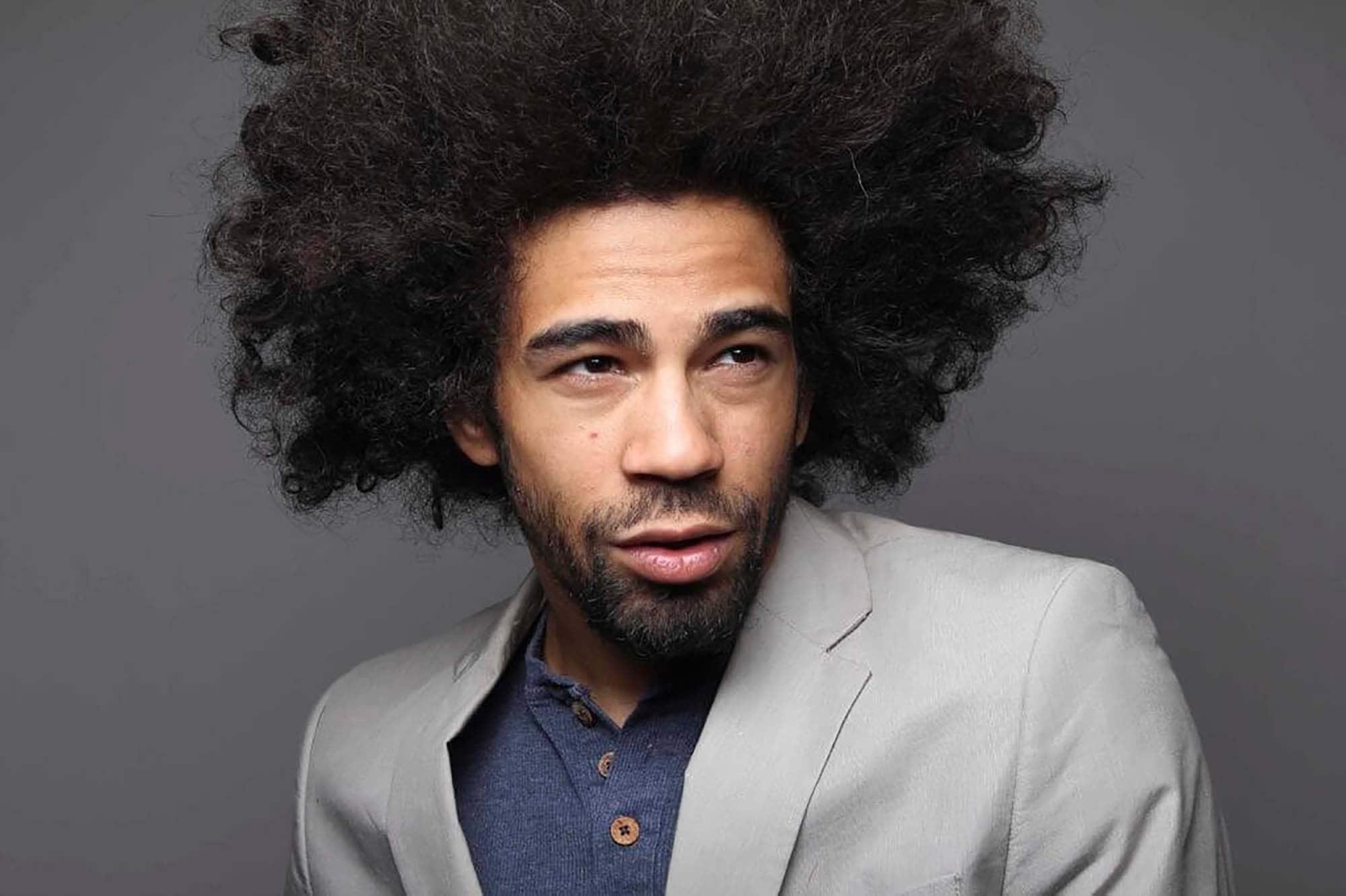 Peinados para hombres con cabello afro