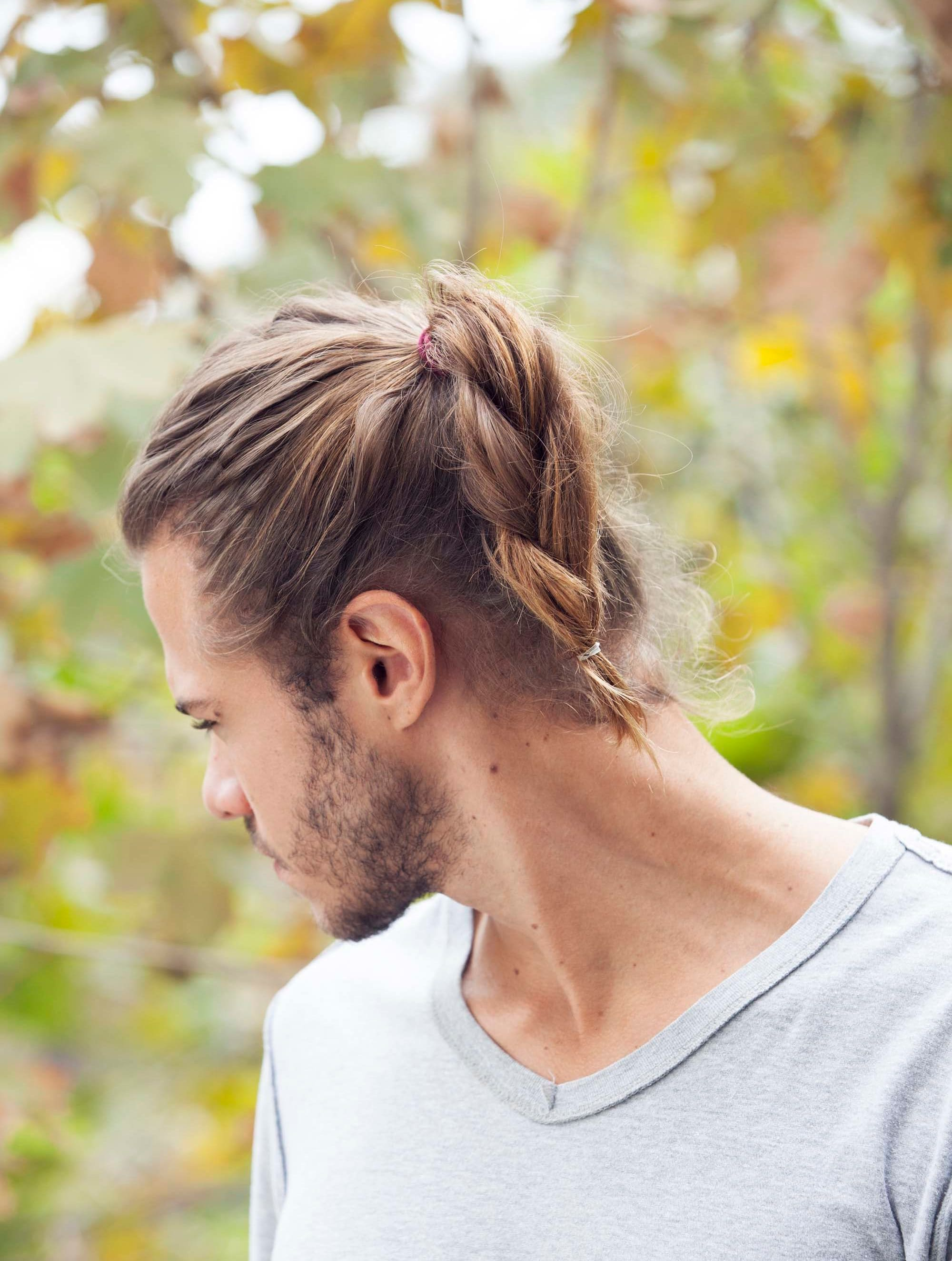 Peinados para hombres con cabello largotrenzas