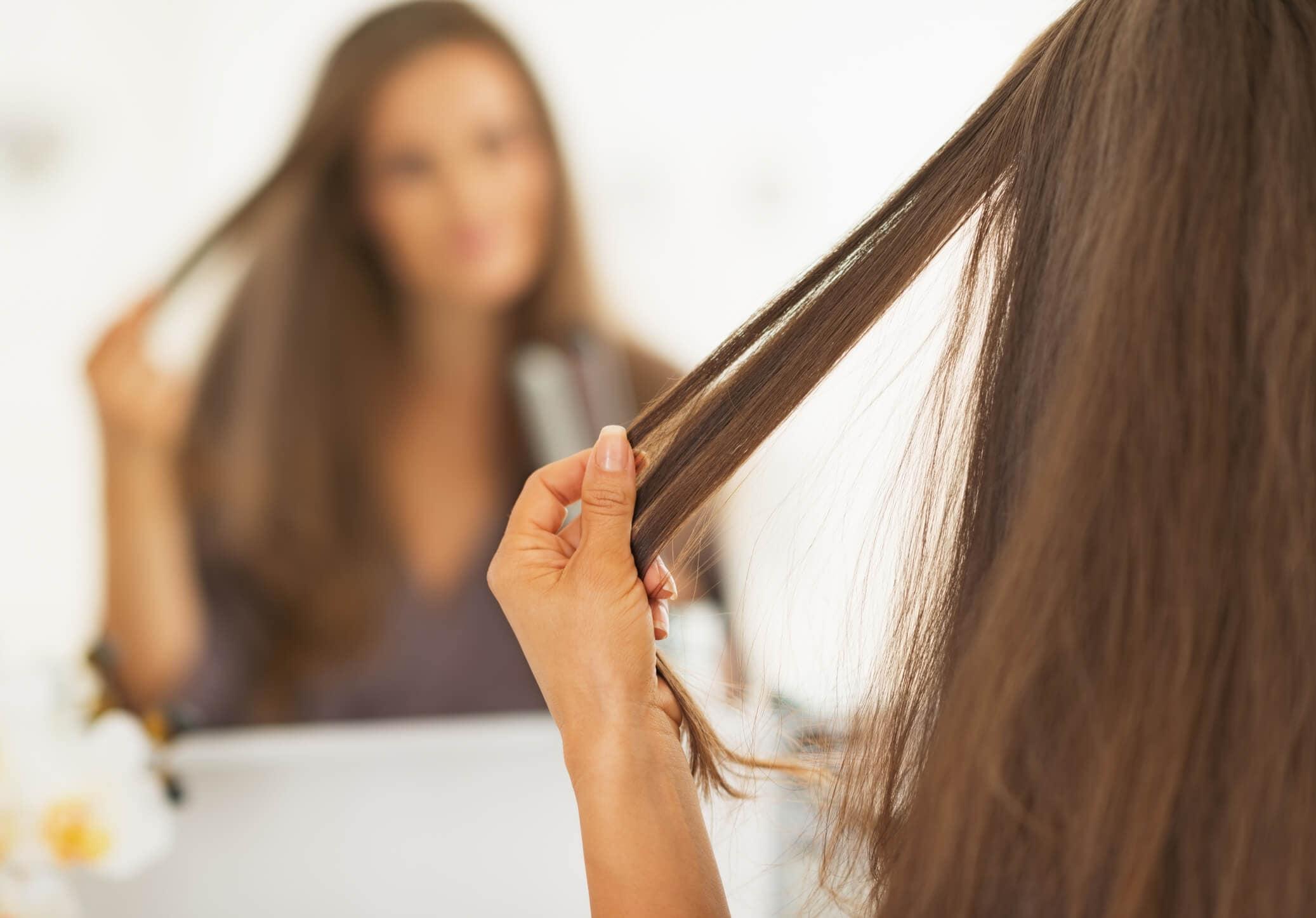 cuero cabelludo con mal olor planchando pelo