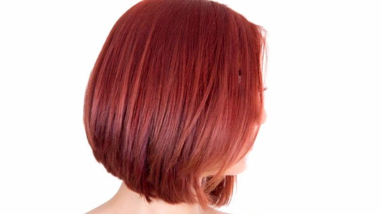 cabello rojo frambuesa pelo corto