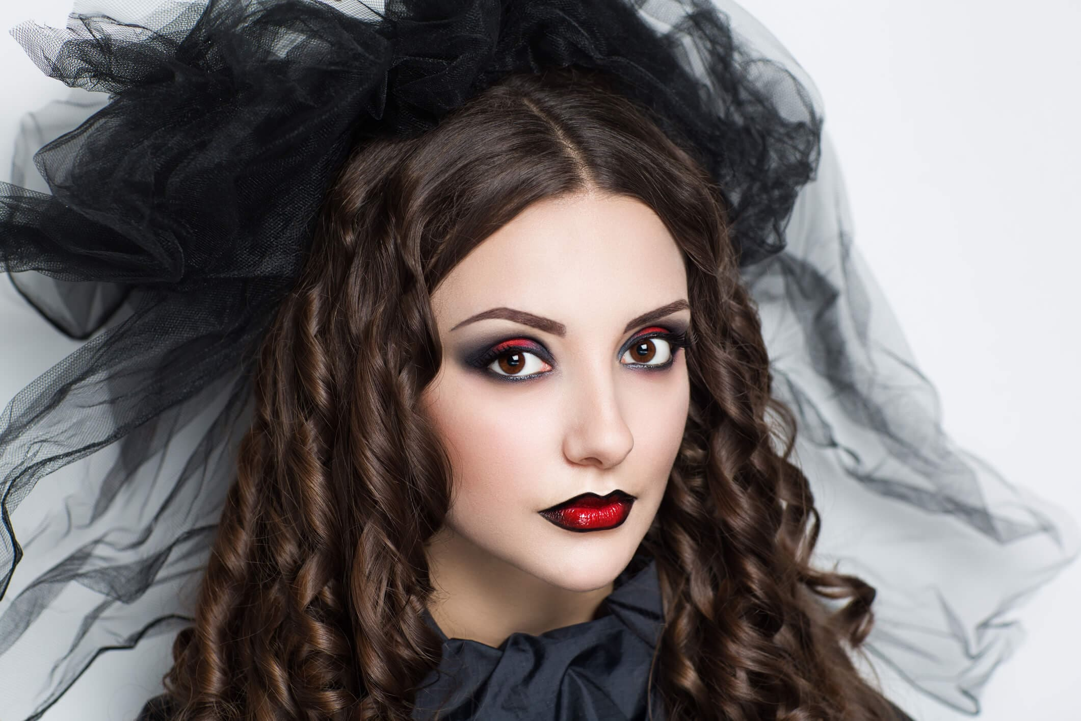 peinados de vampiras rizos victorianos