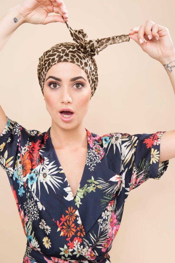 cómo alisar el cabello naturalmente