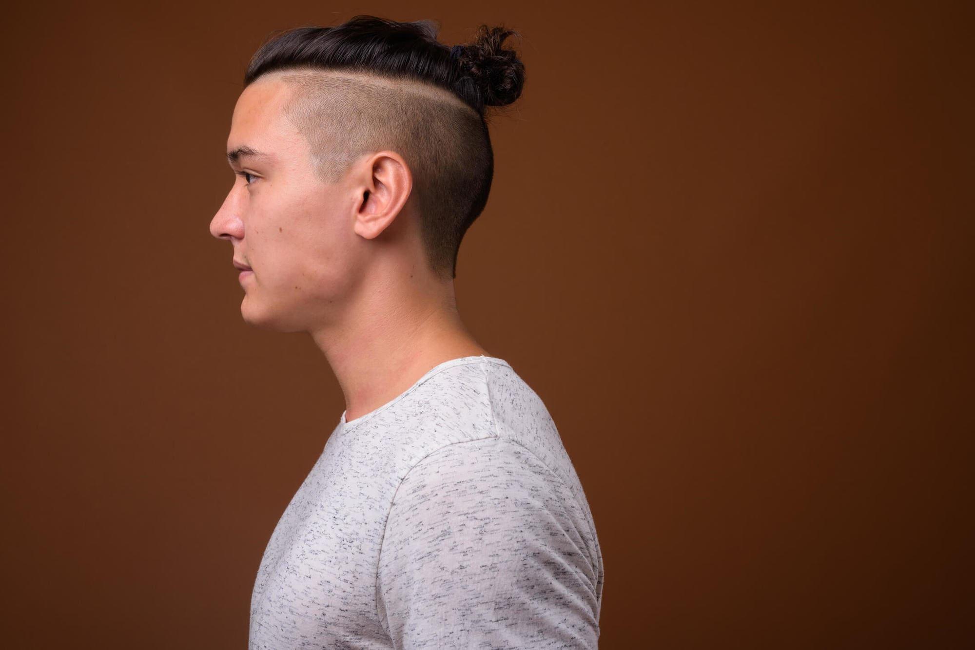 cortes de pelo de futbolistas moño de hombre
