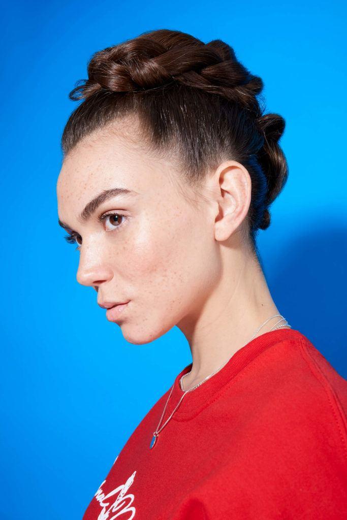 fauxhawk cabello castaño