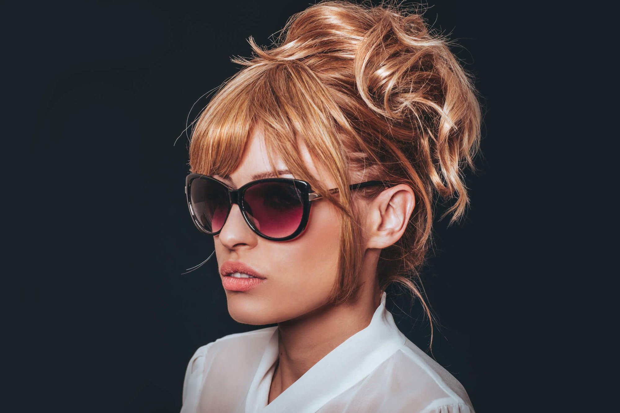 peinados recogidos sencillos Bardot