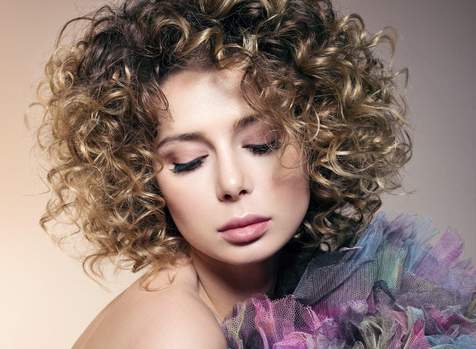 Especial peinados con ondas grandes Galería De Consejos De Color De Pelo - Permanente Cabello Rulos Grandes: 6 Estilos elegantes para ...