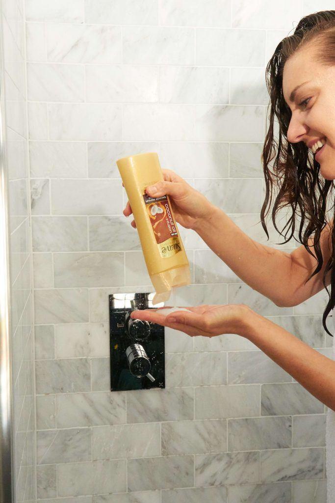 lavarse el pelo con champú