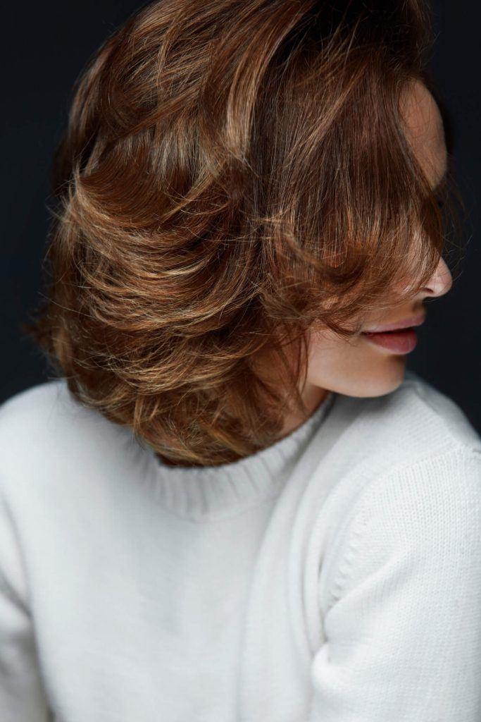 pelo corto en capas capas largas