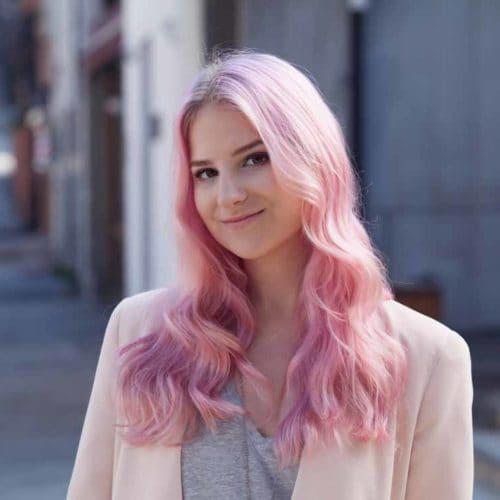 веб девушка модель розовые волосы