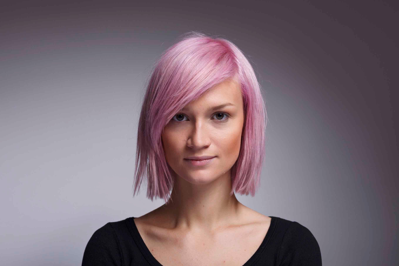 short-light-pink-hair Прически для квадратного лица - фото стрижек на квадратное лицо