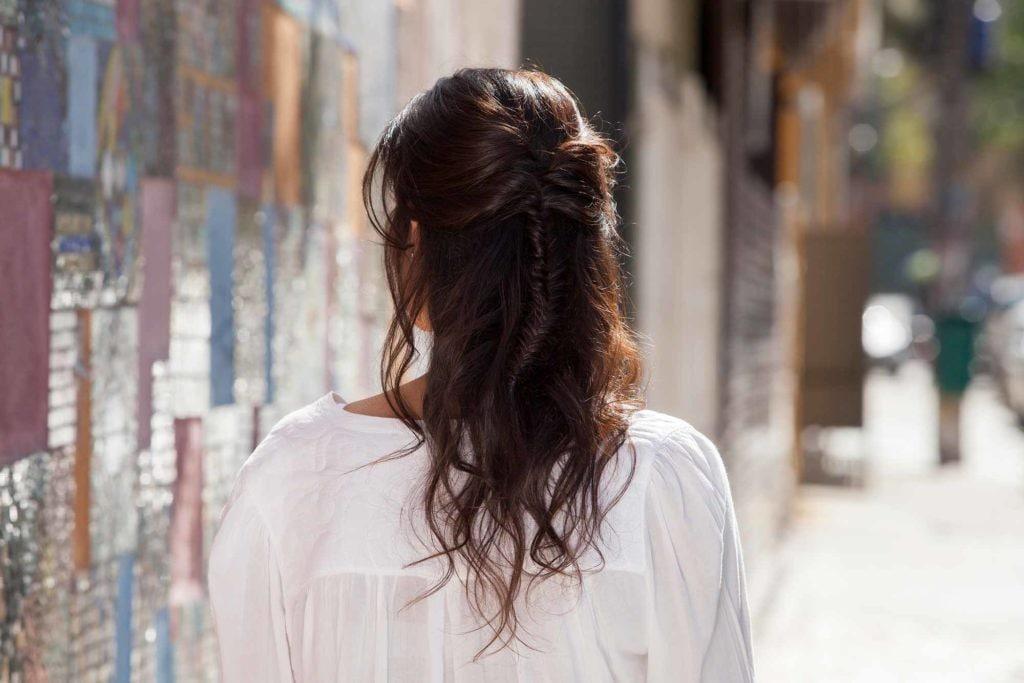 каштановые волосы прическа мальвинка