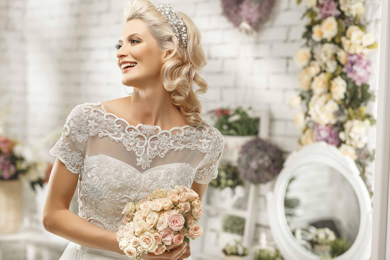 свадебные прически с диадемой