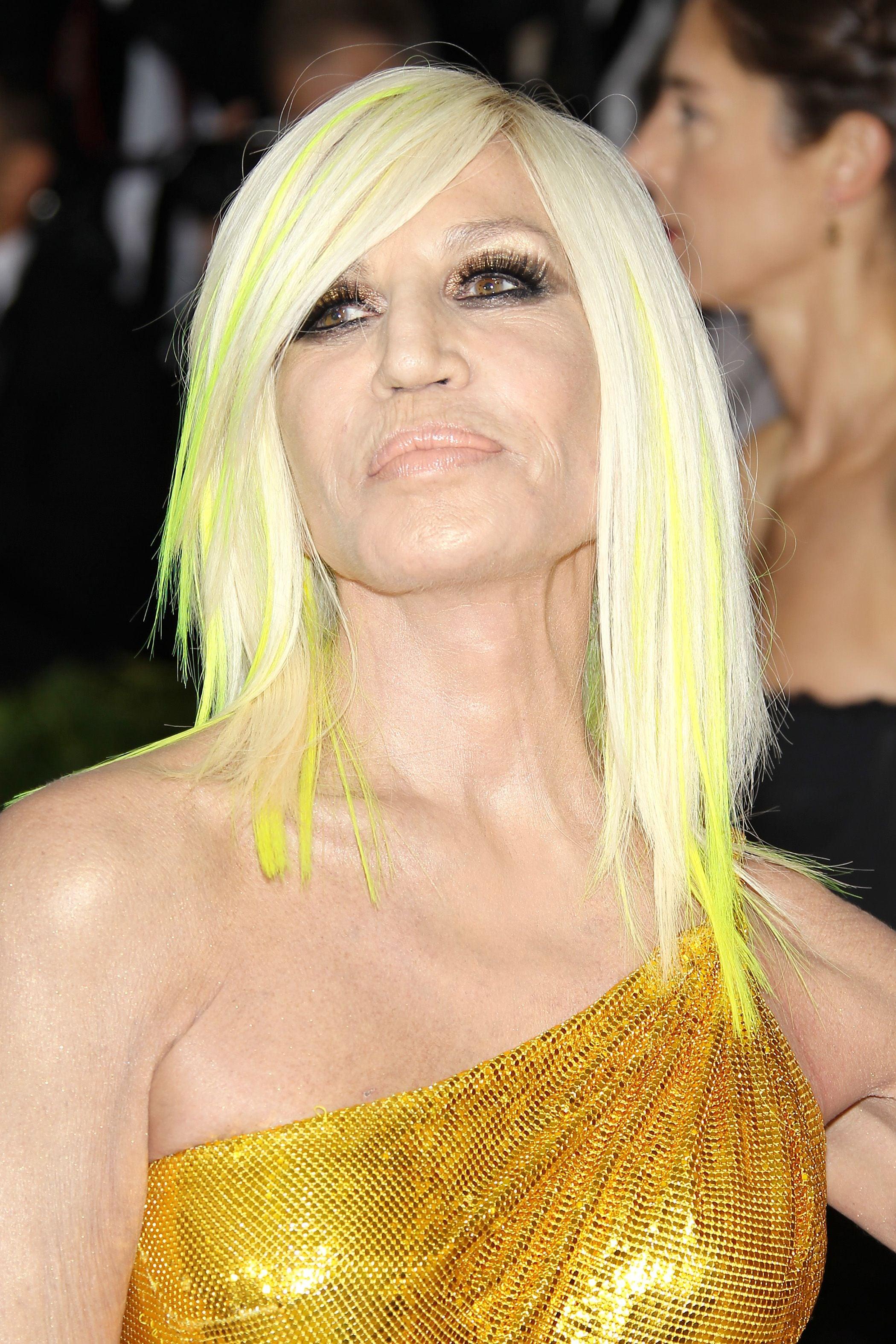 желтый неоновый цвет волос