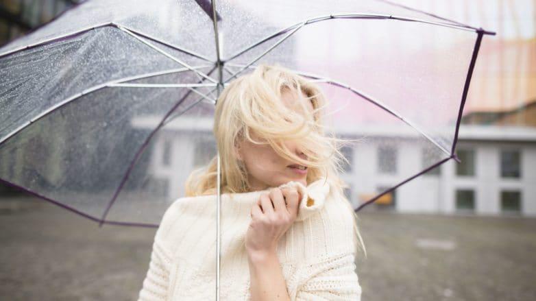 волосы в дождь